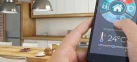 """Barometru Frames & Factory 4.0. Pandemia a crescut dependența de smartphone-uri. Românii din ce în ce mai conectați cu obiectele """"smart"""": casa, mașina, ceasul"""